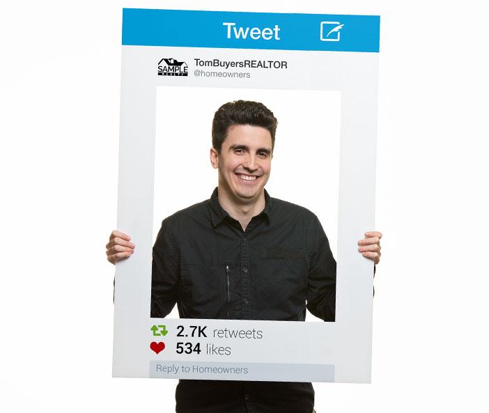 Corefact Social Media Frame - 10